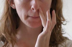 Почему появляется простуда в носу