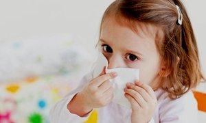 Причины насморка у детей