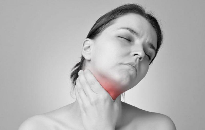 Гнойная ангина относится к острому тонзиллиту – фолликулярная и лакунарная